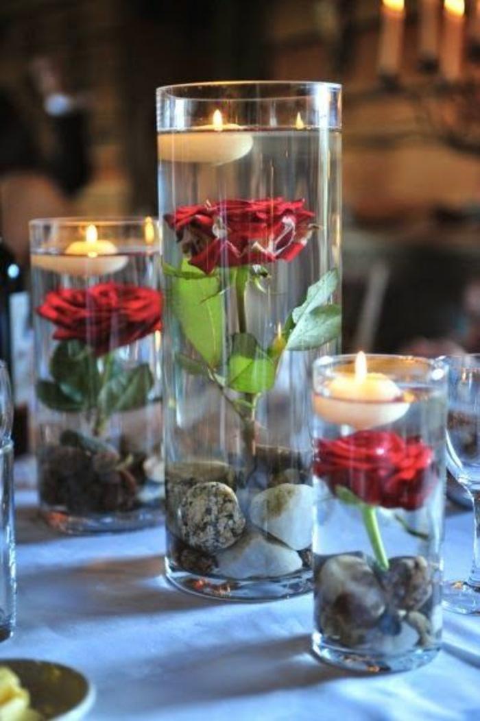 mariage-conte-de-fée-la-belle-et-la-bête-disney-déco-festive-décoration-table-belle-roses-et-bougies-vase-cristale