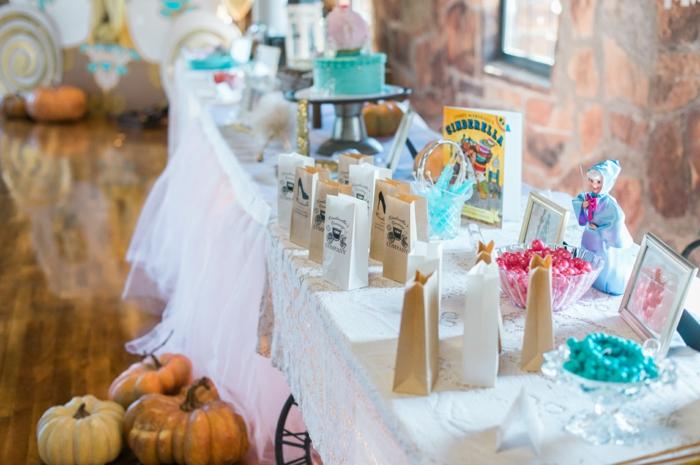 mariage-idées-organisation-hall-décoration-table-évenement-spécial-belle-déco-anniversaire