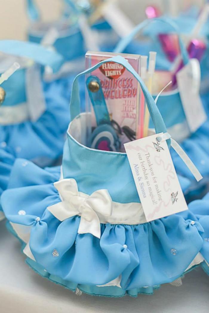mariage-idées-organisation-hall-décoration-table-évenement-spécial-petit-cadeaux-mariage