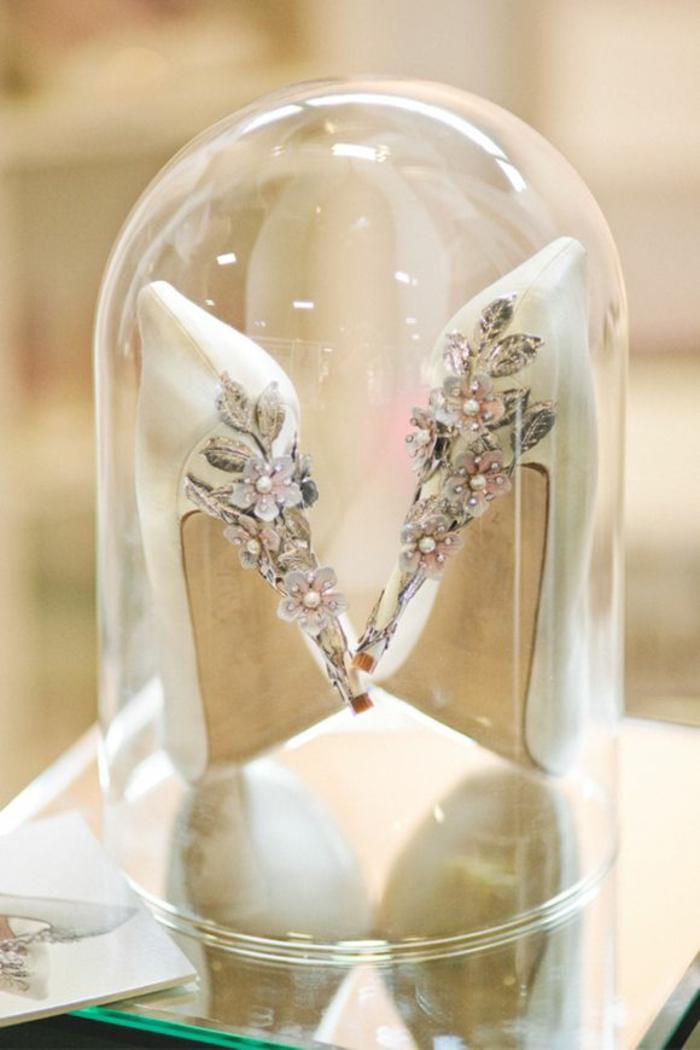 mariage-robe-de-mariée-princesse-de-Disney-Belle-et-la-bête-chaussures