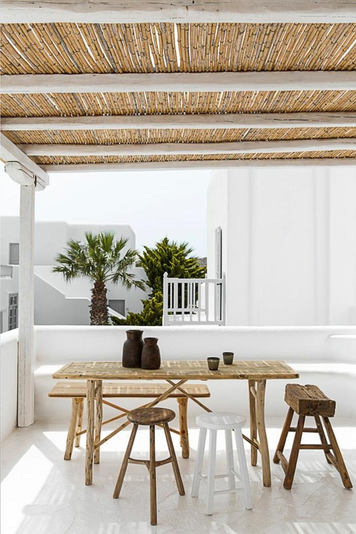 meuble-en-bambou-en-bois-clair-quels-meubles-choisir-pour-l-extérieur-meuble-en-bambou