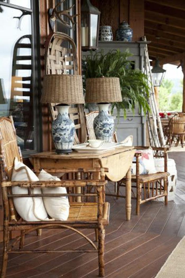 meubles-bambou-pas-cher-pour-la-verande-de-la-maison-sol-en-planchers-en-marron-foncé