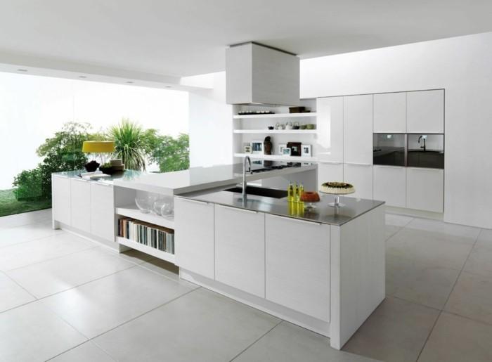 meubles-de-cuisine-blanches-carrelage-gris-ilot-de-cuisine-central-plafond-blanc