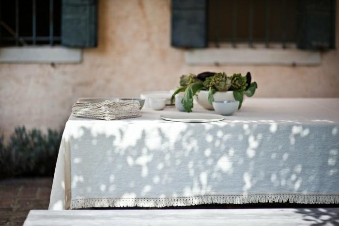 nappe-lin-enduit-au-mètre-comment-aménager-la-salle-à-mange-blanche-nappe-en-lin