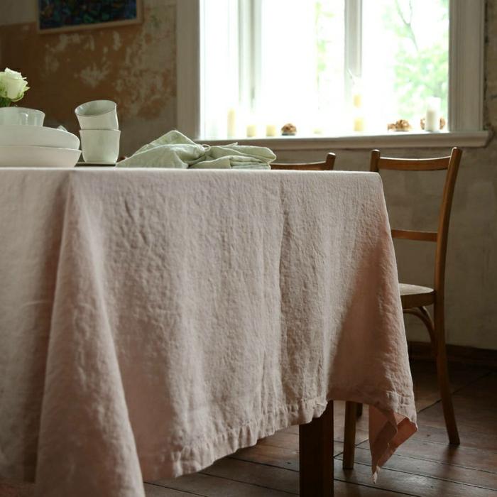 nappe-lin-enduit-au-mètre-comment-aménager-la-salle-à-manger-rose