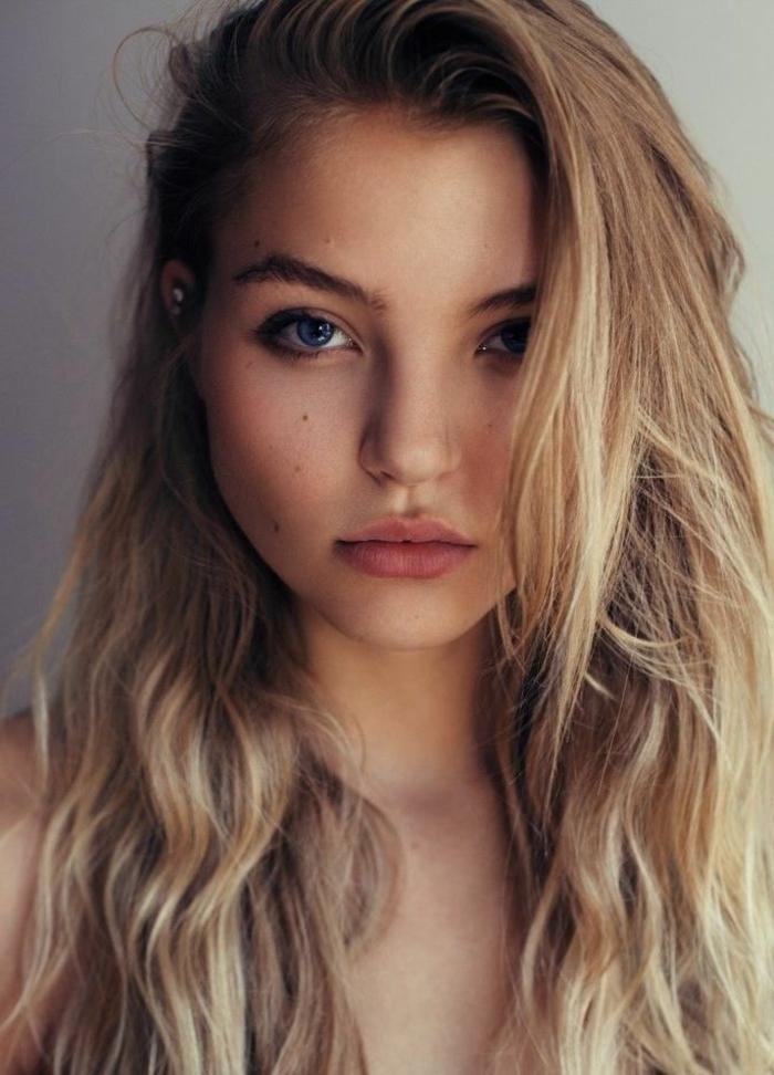 nuancier-couleur-cheveux-couleur-châtain-clair-cheveux-longs-blonde-foncé