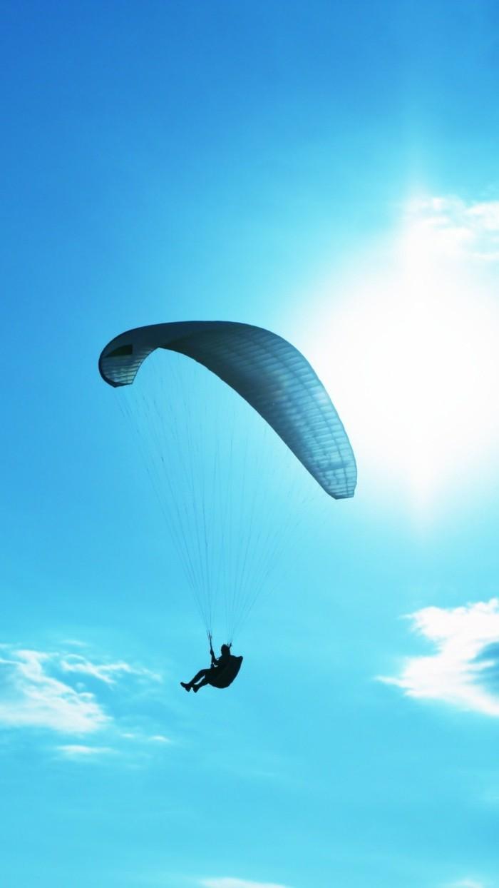 pac-parachute-combien-coute-un-saut-en-parachute-le-bleu-de-ciel