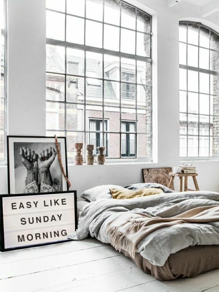 parquet-blanc-intérieur-bohémien-sol-blanc-et-grandes-fenêtres