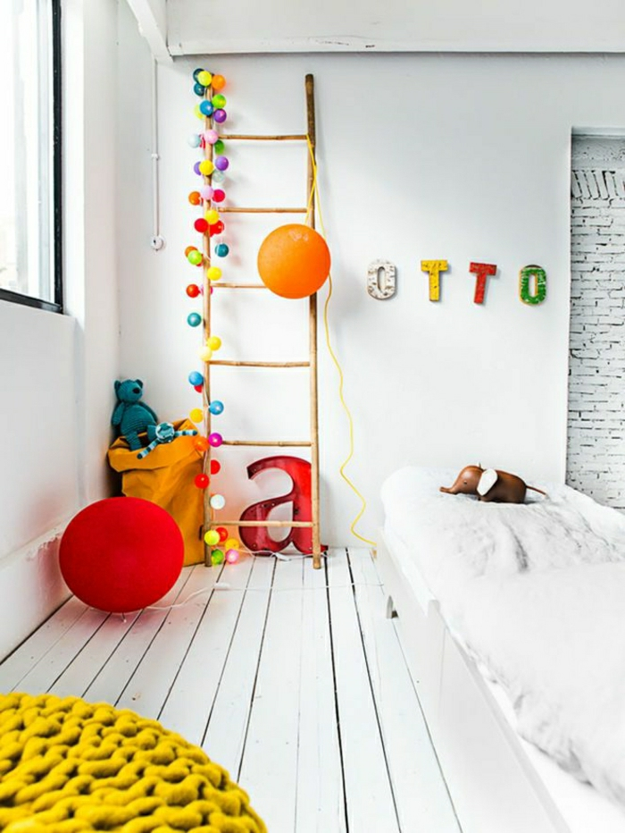parquet-blanc-jolie-chambre-d'enfant-sol-en-bois-blanc
