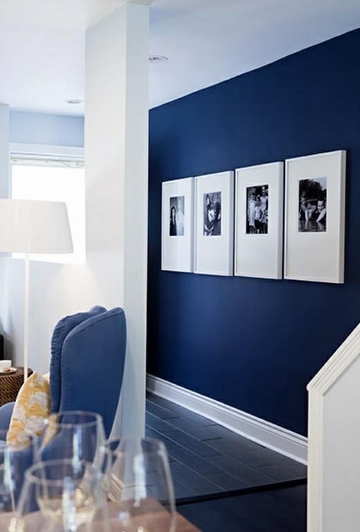 peinture-lavable-pour-le-couloir-avec-peinture-de-couleur-bleu-foncé-et-meubles-bleu