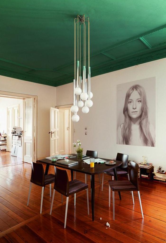 peinture-pour-plafond-verte-peinture-lavable-dans-la-salle-de-séjour