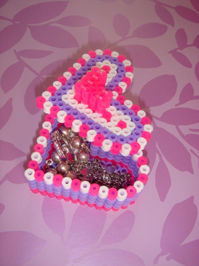 perles-à-repasser-boîte-à-bijoux-ou-cadeau