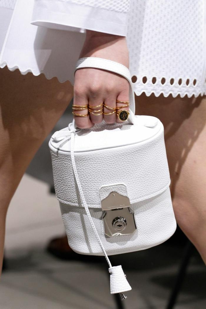pochette-de-soirée-sac-à-main-cylindrique-blanc