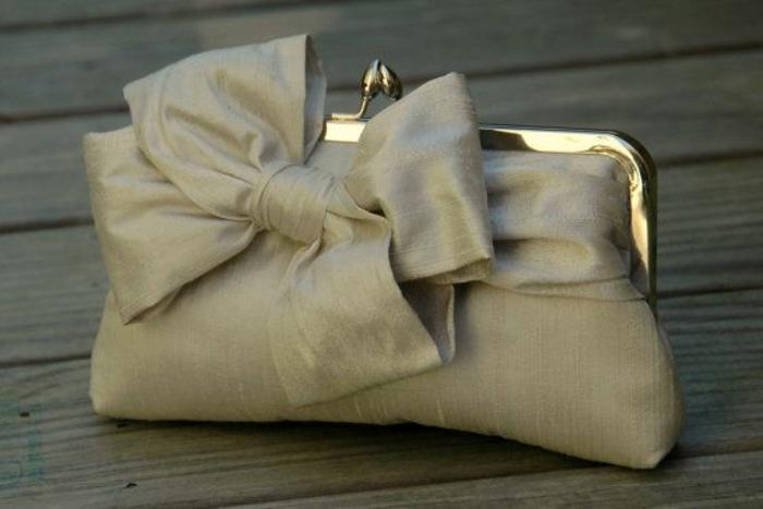 pochette-de-soirée-sac-de-mariée-modèle-doux
