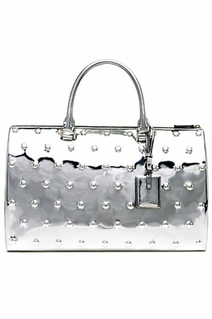 pochette-de-soirée-sac-en-métal-designs-précieux-de-pochette