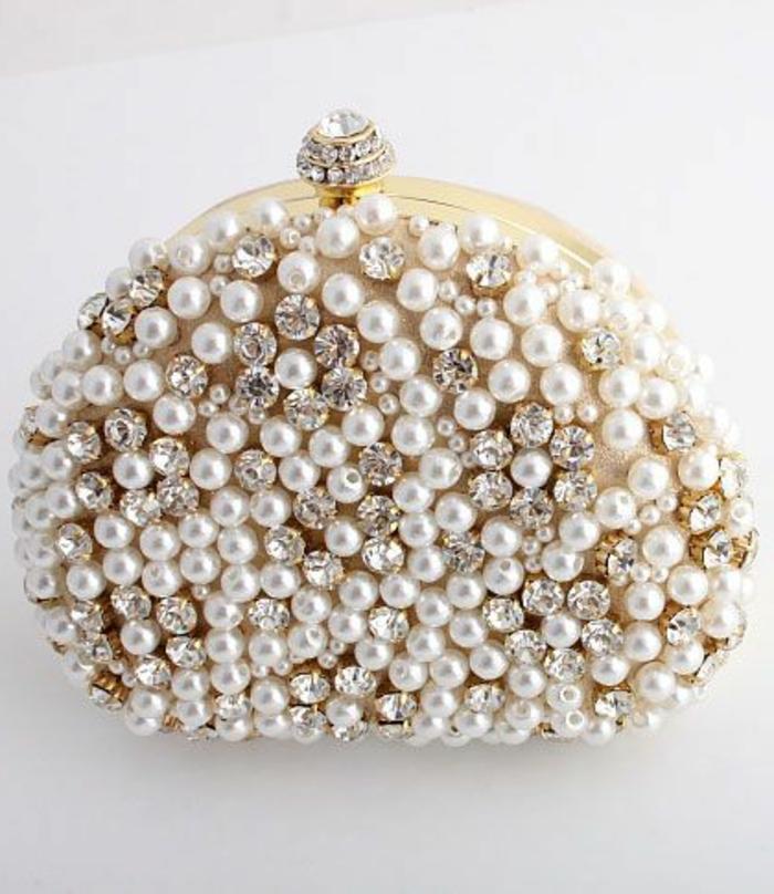 pochette-de-soirée-sac-incrusté-de-perles-et-de-cristaux-uisantes