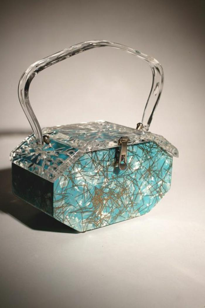 pochette-de-soirée-un-mini-sac-à-main-turquoise