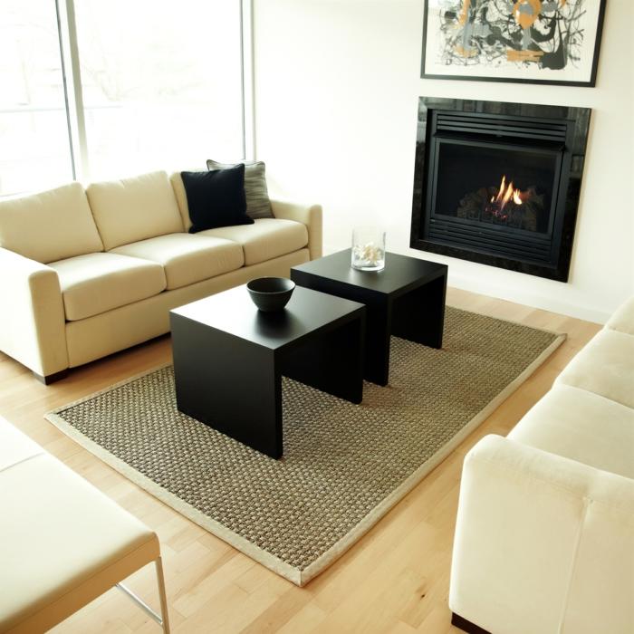 pour-votre-salon-un-tapis-beige-style-jonc-de-mer-original-idée-décoration-symple-blanc-et-noir