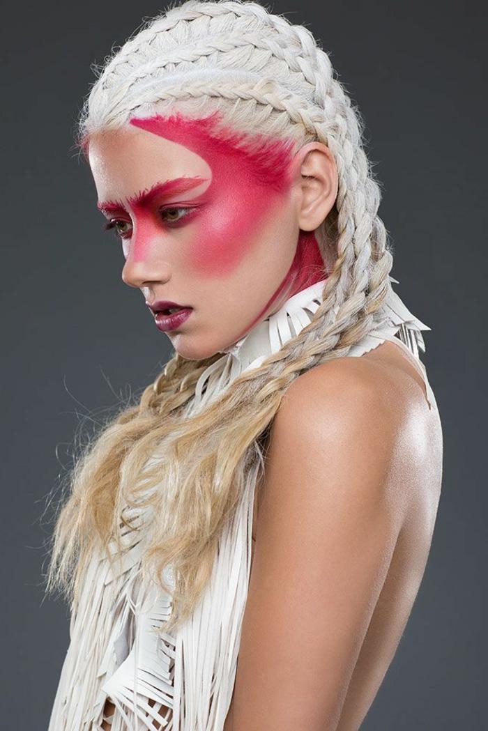 quel-maquillage-artistique-poser-si-vous-etes-blondes-une-jolie-idée-pour-quel-maquillage-poser