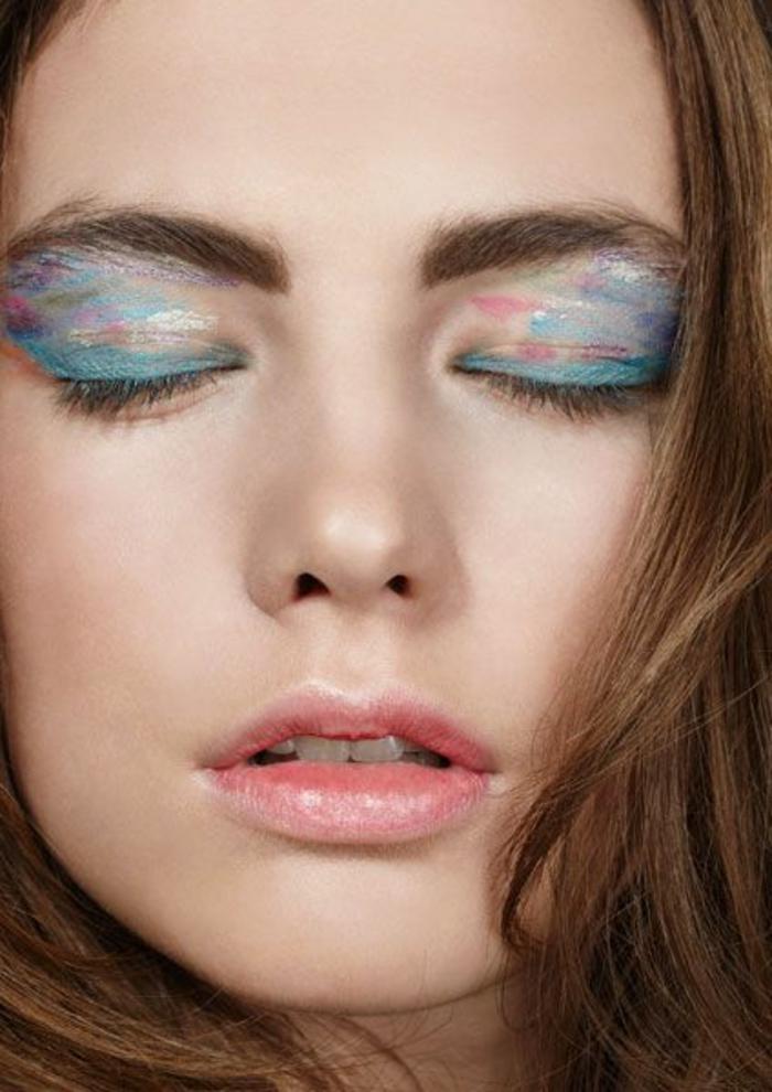 quel-maquillage-artistique-poser-si-vous-etes-brunette-une-jolie-idée-pour-quel-maquillage-poser