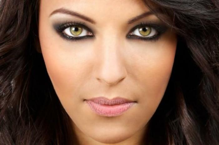 quel-maquillage-pour-les-yeux-verts-idées-pour-tous-les-jours-femme-resized