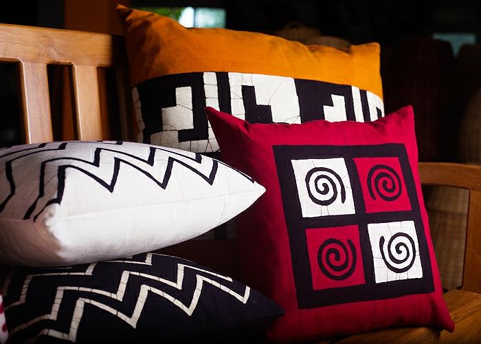 quels-couleurs-pour-les-coussins-colorés-choisir-pour-le-salon-moderne