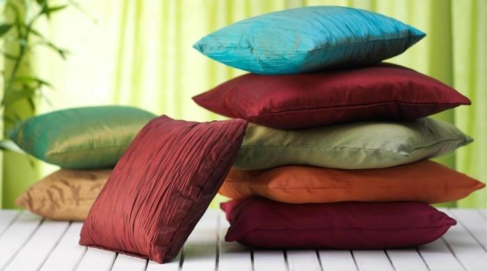 quels-coussins-choisir-pour-le-canapé-et-quel-housse-de-coussin-40x40-pour-le-salon
