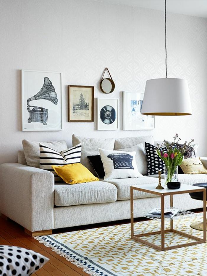 quels-coussins-mettre-dans-le-salon-contemporain-avec-canapé-gris-tapis-moderne
