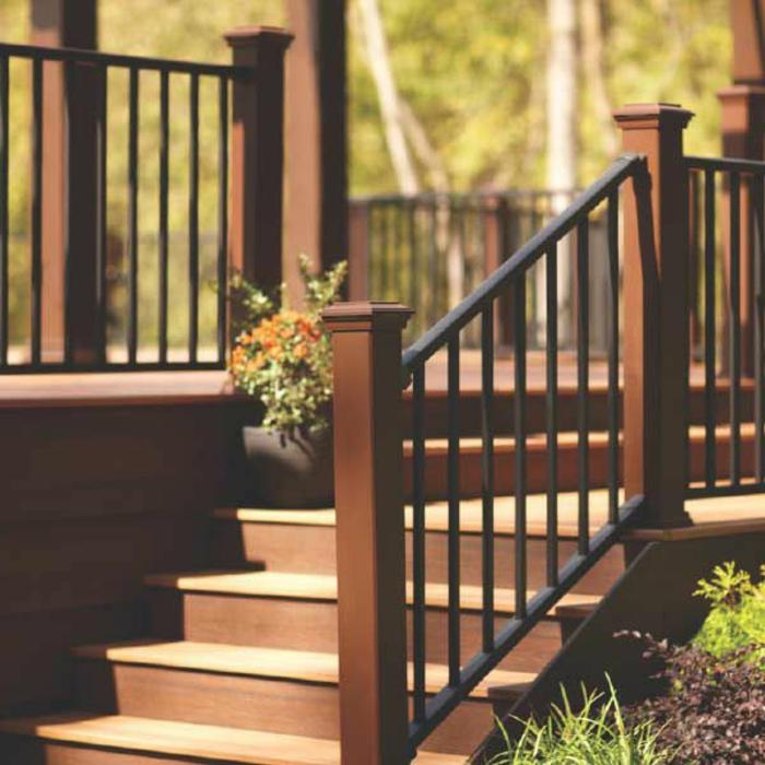 rambarde-escalier-devant-la-maison-comment-bien-choisir-une-balustrade-extérieure-pour-la-veranda