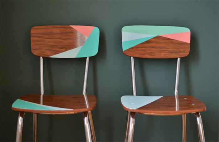 relooker-des-meubles-donner-de-la-couleur-de-chaises-anciennes