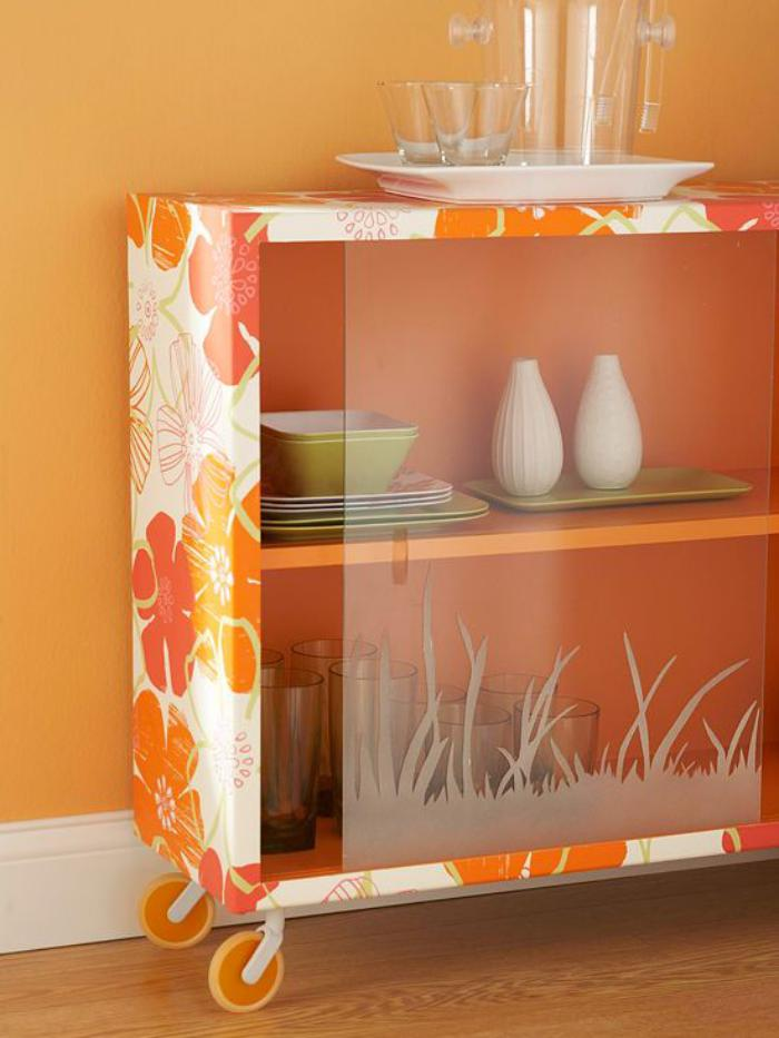 relooker-des-meubles-recycler-un-meuble-avec-du-papier-peint