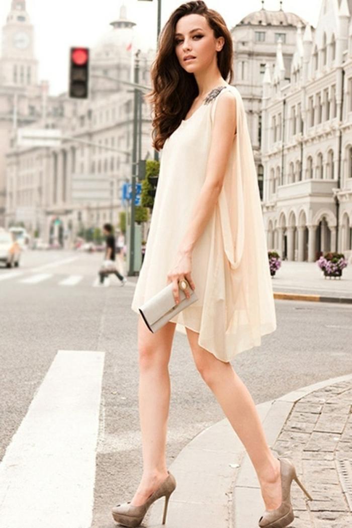 robe-de-soirée-courte-beige-elegante-robe-cocktail-court-pas-cher-de-couleur-beige