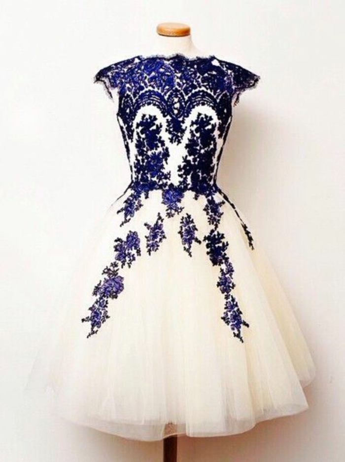 robe-de-soire-blanche-bleu-pour-les-filles-avec-robe-en-dentelle-blanche