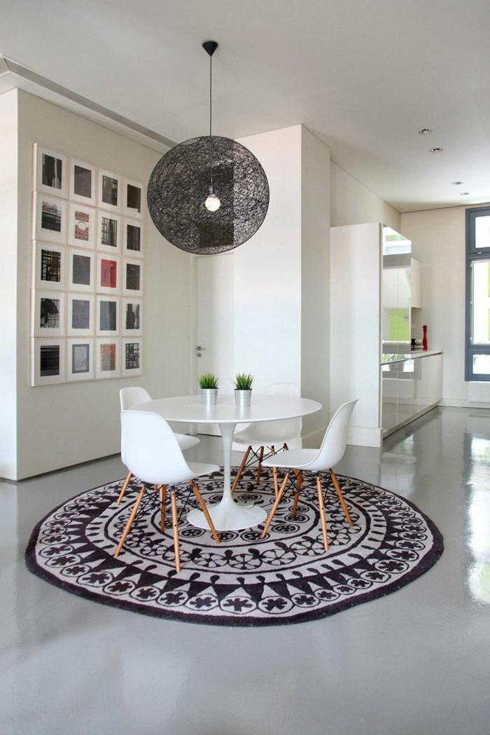 salle-de-séjour-avec-sol-en-béton-ciré-gris-avec-beton-decoratif-gris-plan-de-travail-beton-cire