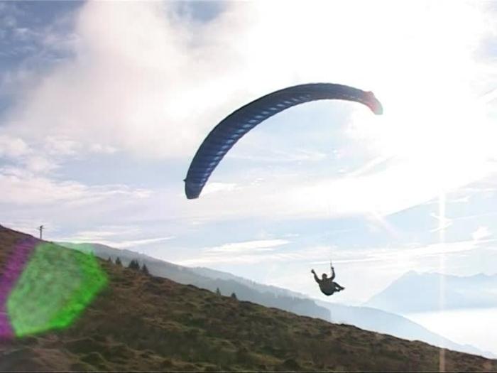 sauter-en-parachute-chute-libre-parachute-aventure-landing