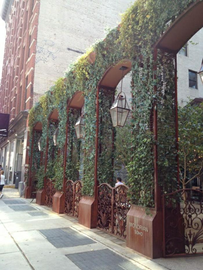 sculpture-acier-corten-matériaux-bruts-construction-pont -vintage-photo-café