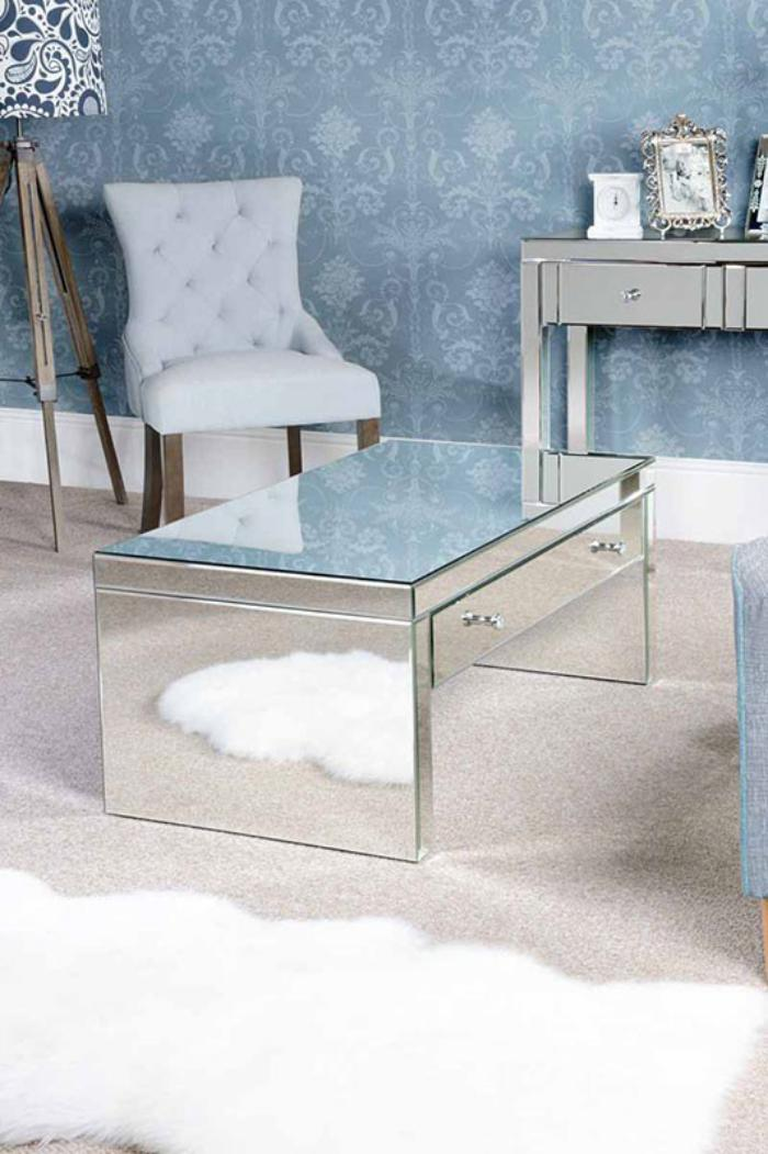 table-basse-avec-tiroir-en-verre-superficie-reflétante
