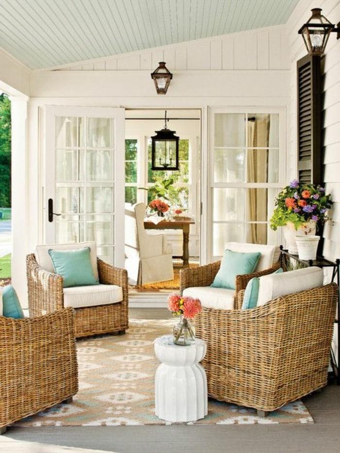 tapis-beige-d-extérieur-beige-mobilier-d-extérieur-pour-la-veranda-devant-la-maison-moderne