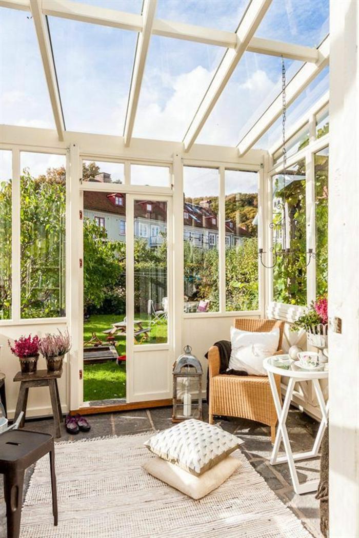 tapis-beige-d-extérieur-beige-mobilier-d-extérieur-pour-la-veranda-devant-la-maison