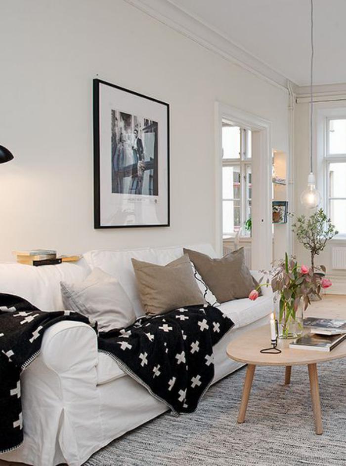 tissu-scandinave-couverture-à-imprimés-typiques-en-noir-et-blanc