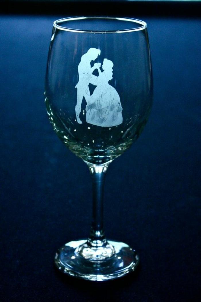 tous-les-idées-déco-inpiration-la-Belle-et-la-Bête-Disney-animation-design-interieur-mariage-glasse