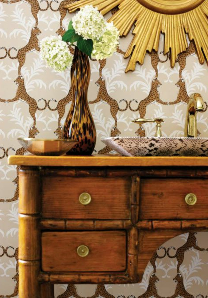 un-joli-commode-en-bambou-meubles-bambou-pas-cher-pour-l-entrée-ou-le-couloir