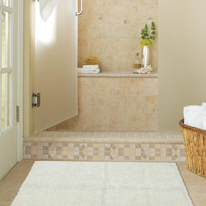 On vous pr sente le tapis de salle de bain en 45 images for Salle de bain rouge et beige
