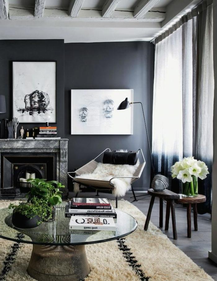 un-salon-de-luxe-avec-peinture-murale-gris-peinture-satiné-dans-le-salon-avec-tapis-beige