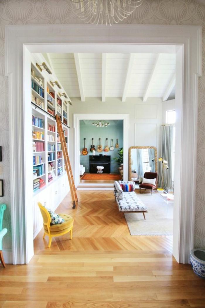 un-salon-insolite-avec-design-contemporain-et-saint-maclou-parquet-clair-sur-le-sol