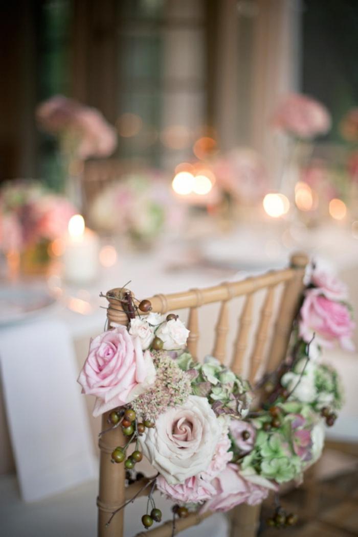 une-jolie-chaise-de-mariage-avec-decoration-avec-housse-de-chaise-mariage-fleurs