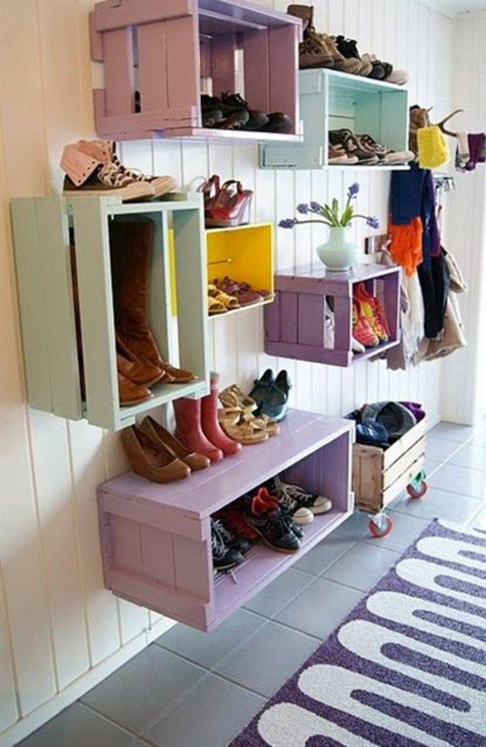 une-jolie-variante-pour-ranger-les-chaussures-meubles-à-chaussures-en-bois-dans-le-couloir-moderne