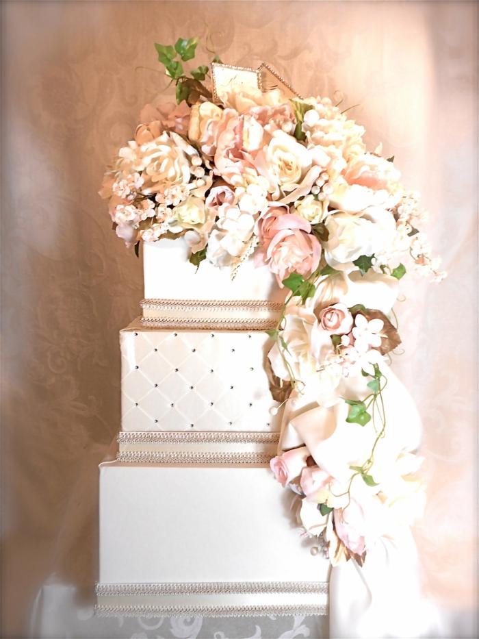 urne-anniversaire-urne-de-mariage-urnes-idée-originale-comme-gateau-mariage