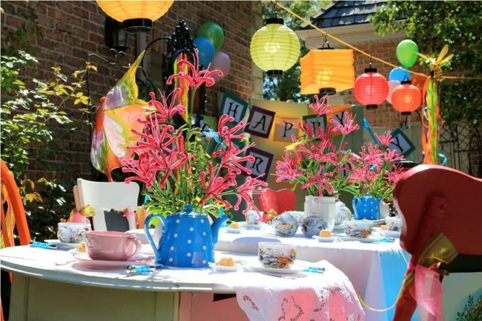 walt-disney-alice-au-pays-des-merveilles-idées-déco-table-anniversaire-jardin
