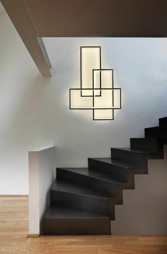 1-éclairage-indirect-decoration-murale-escalier-noir-pour-le-couloir-mur-blanc-dans-l-entrée-moderne
